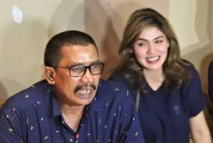Hilda Vitria dan pengacara Fahmi Bachmid