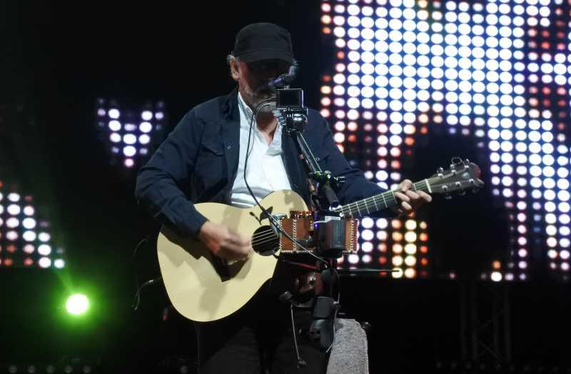 Cerita Seru Konser Iwan Fals Bertajuk 'Nyanyian Yang Tersimpan'