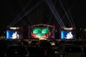Kahitna gelar konser drive in di JIExpo, Kemayoran, Jakarta Pusat, Sabtu (29/8/2020).