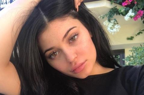 Kylie Jenner Melahirkan Anak Pertama