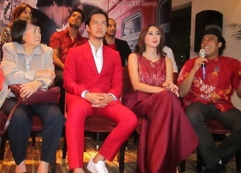 Morgan Oey, Sosok Cowok Nyebelin Tapi Ngangenin di Film 'Arini'