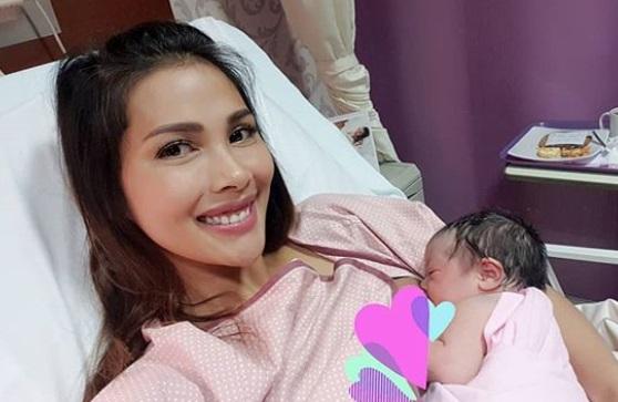 Model Seksi Victorias Secret Jadi Nama Anak Ke-4 Nadia Mulya