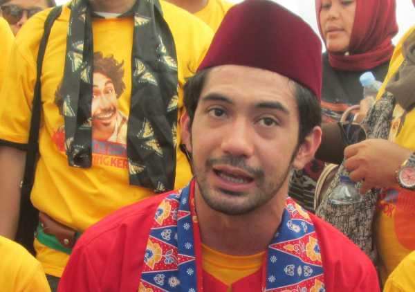 Reza Rahadian Diangkat Jadi Keluarga Benyamin Sueb