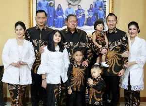 Foto Pertama Keluarga SBY Tanpa Ibu Ani di Momen Lebaran
