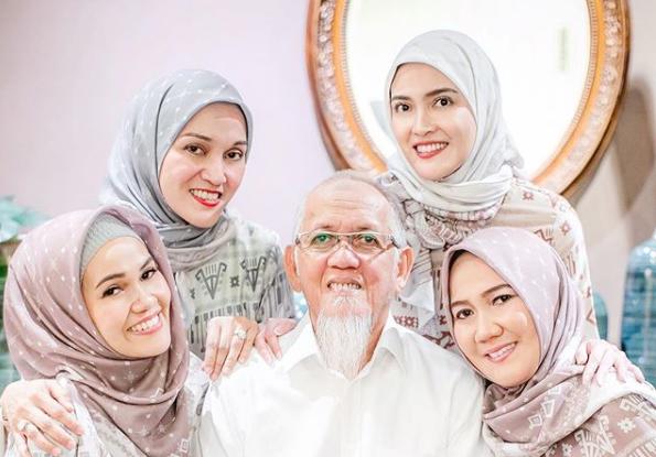 Shandy Aulia Pakai Hijab, Ayah: Masya Allah
