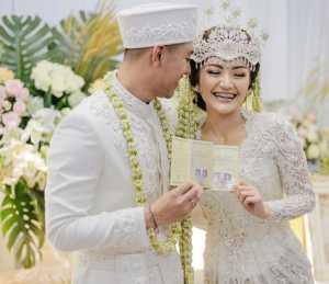 Sah! Krisjiana dan Siti Badriah Resmi Suami Istri