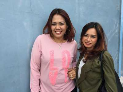 Putrinya Dihujat Netizen Pakai Bikini, Elly Sugigi Emosi