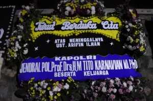 Prosesi pemakaman Ustadz Arifin Ilham