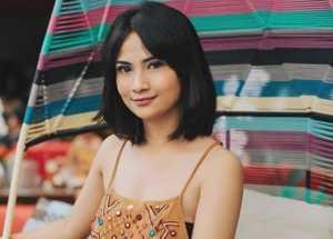 Kecapekan Diperiksa, Vanessa Angel Pingsan