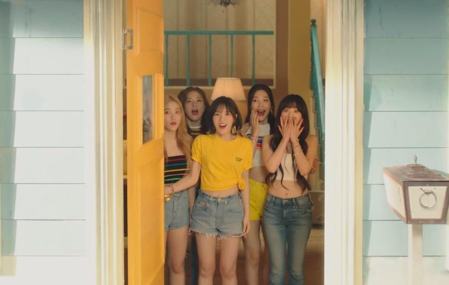 Netizen Heboh Gara-gara Red Velvet Rilis Music Video 'Umpah Umpah'