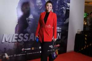 Fitri Carlina di gala premiere Message Man