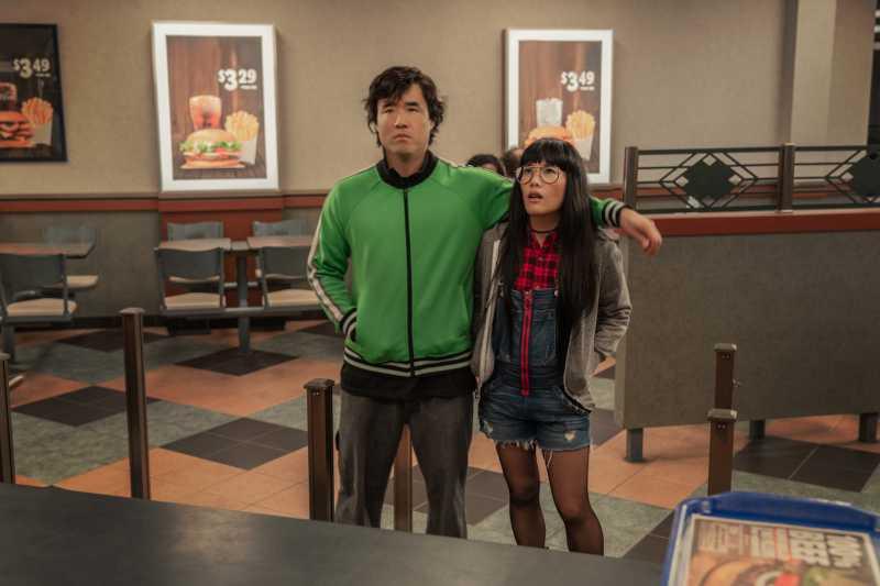 Rekomendasi Film & Serial Netflix Baru yang Cocok Ditonton Sebelum Buka Puasa