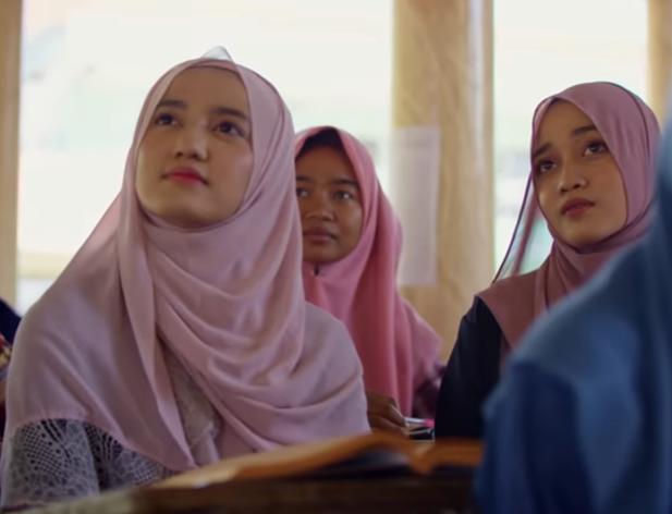 Netizen \'Telanjangi\' Adegan Tak Pantas dalam Trailer \'The Santri\'