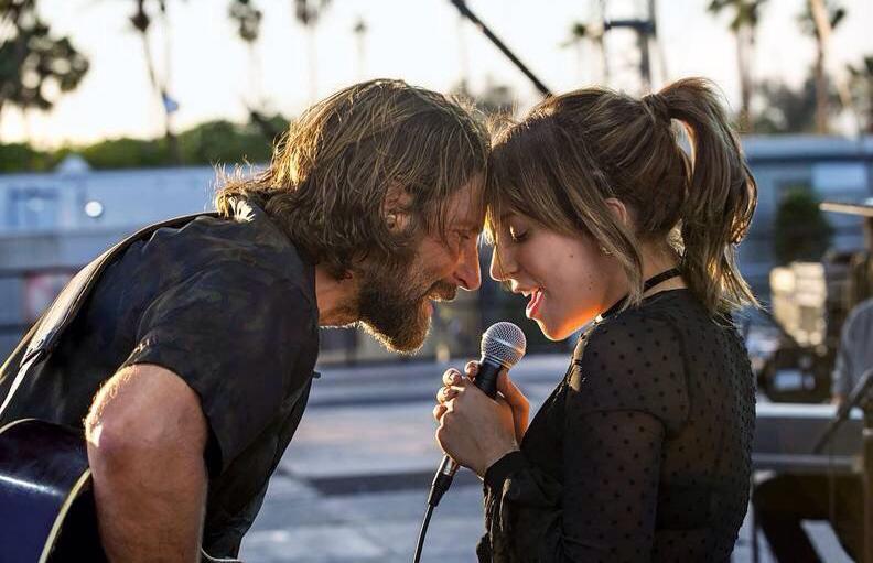 Trailer Film Debut Bradley Cooper Keluar, Lady Gaga Dipuji Habis-habisan