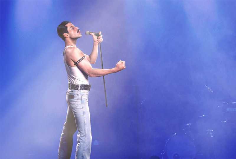 Resensi Film: Rami Malek Bersinar di Tengah Cerita Medioker 'Bohemian Rhapsody'