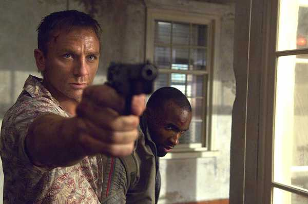 <i>Throwback Movie</i>: 8 Fakta 'Casino Royale', Peran Perdana Daniel Craig Jadi James Bond
