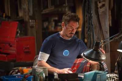 Robert Downey Jr. Curhat Alasan Dirinya Pensiun Jadi Iron Man