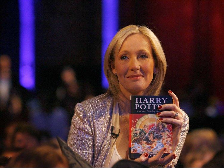 Selamat Ulang Tahun, JK Rowling! Ini 8 Fakta Tentang Sang Pembuat Kisah 'Harry Potter'