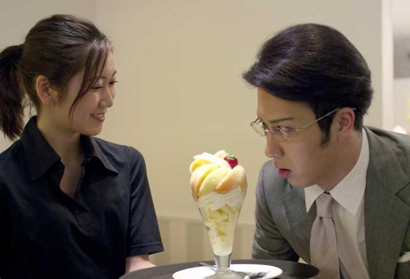 Kantaro: The Sweet Tooth Salaryman, Ksatria Makanan Manis yang Lebay