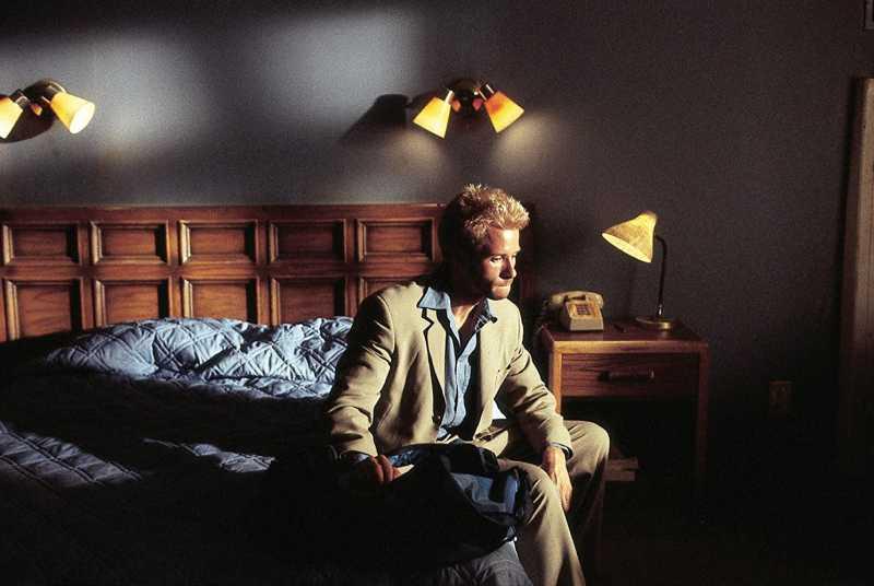 <i>Throwback Movie</i>: 'Memento', Film Misteri Unik yang Pakai Alur Mundur