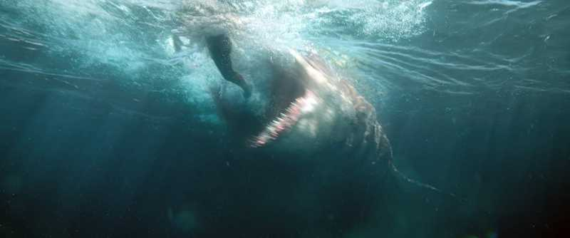 Review: Ketika Aksi Jason Statham vs Hiu Purba ala 'The Meg' Bikin Terharu