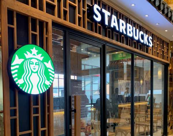 Sambut Imlek, Starbucks Beri Tiga Kejutan Ini