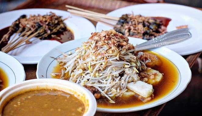 5 Rekomendasi Lontong Balap di Surabaya