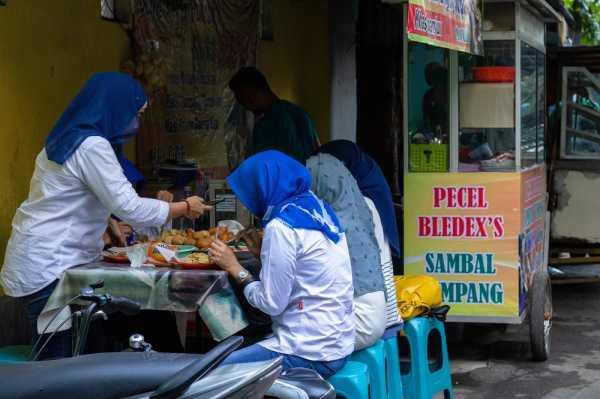 Warung 'Getok' Harga Saat Liburan, Maklum atau Aji Mumpung?
