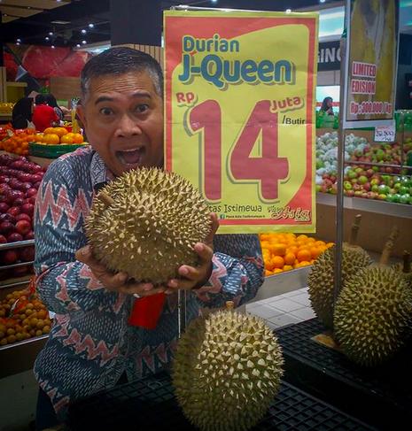 Edan, Di Tasik Durian Ini Dijual Seharga Motor per Buah