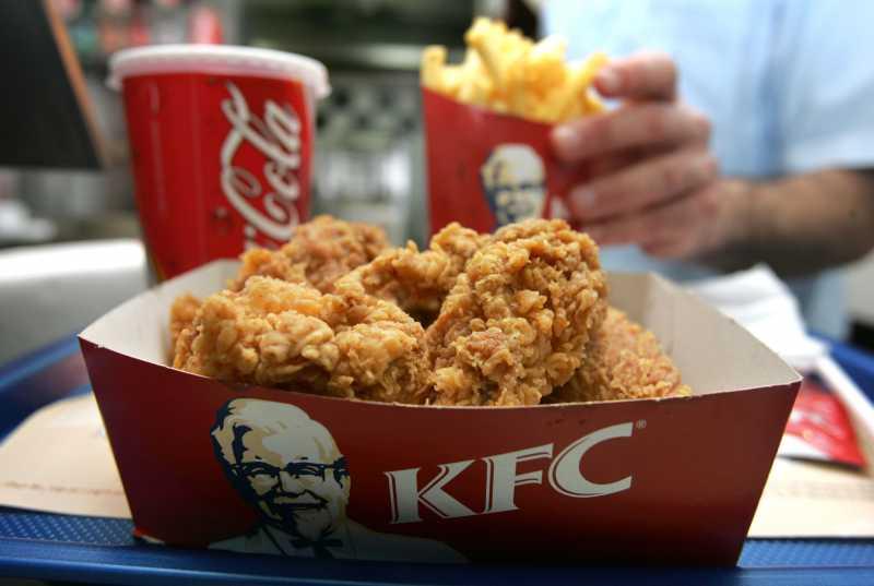 KFC Ajak Beberes Setelah Makan, Netizen Protes