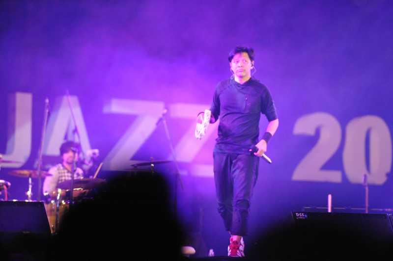 Celotehan Armand GIGI yang Bikin Kangen di Prambanan Jazz 2018