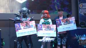 Para pemenang kompetisi cosplay / © Aris Wahyudi/uzone.id
