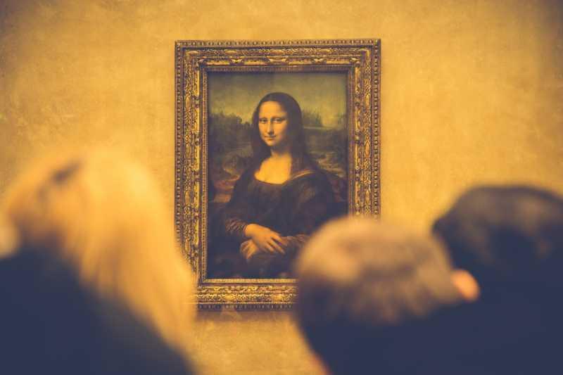 Menurut Kamu, Lukisan Mona Lisa itu Tersenyum atau Meringis?