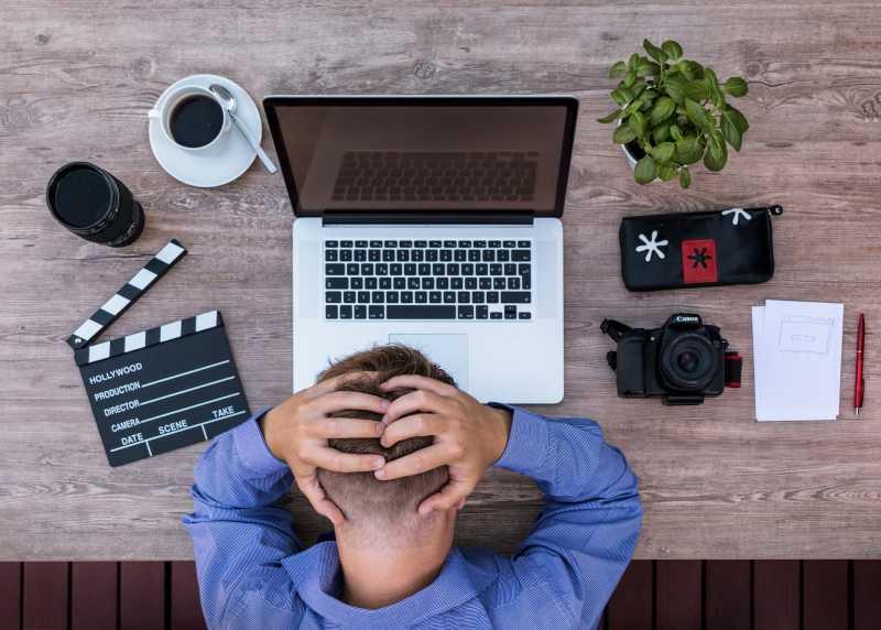 Migrain Muncul Ketika di Kantor, Apa yang Harus Kamu Lakukan?