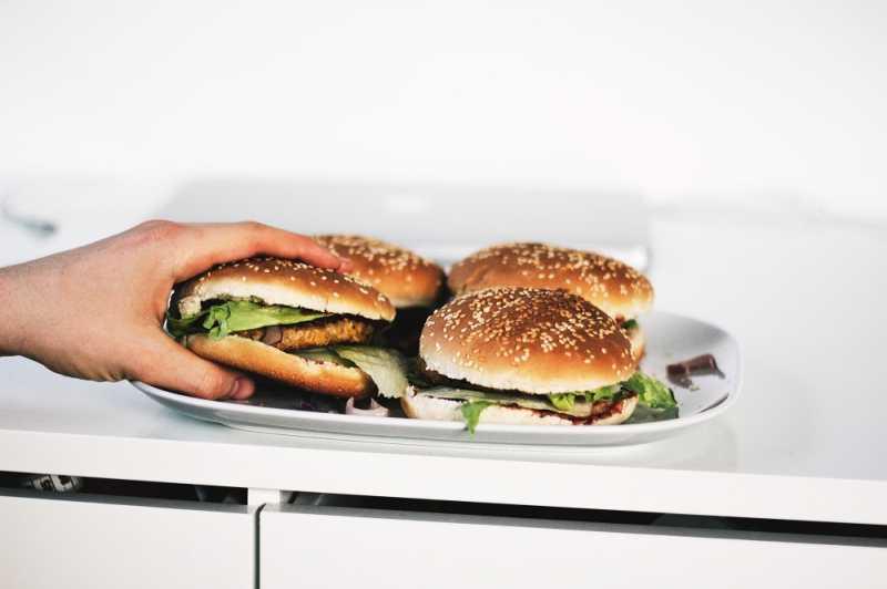 Gak Makan Kabohidrat Memperpendek Umur, Kok Bisa?
