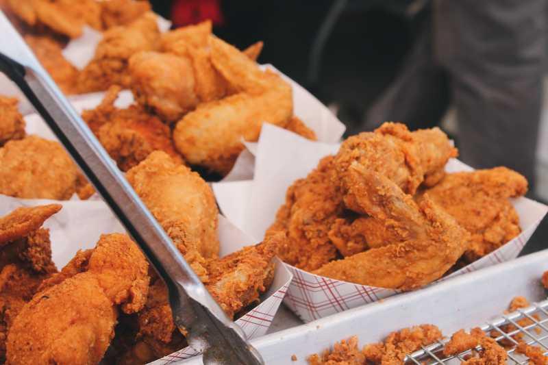 Buka Puasa Boleh Pake Kulit Ayam Ala KFC, Asal...