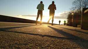 Risiko yang Mengancam Kalau Nekat Olahraga Sebelum Buka Puasa