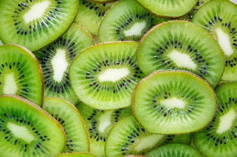 Makan Kiwi Bersama Kulitnya Ternyata Menyehatkan