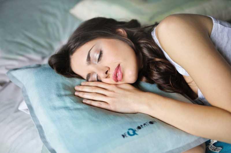 Benarkah Tubuh Tetap Membakar Kalori saat Tidur?