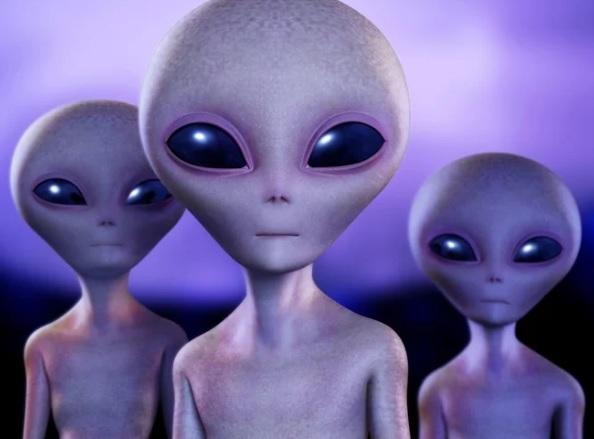 Ketimbang Panik, Kita Sambut Alien yang Datang !