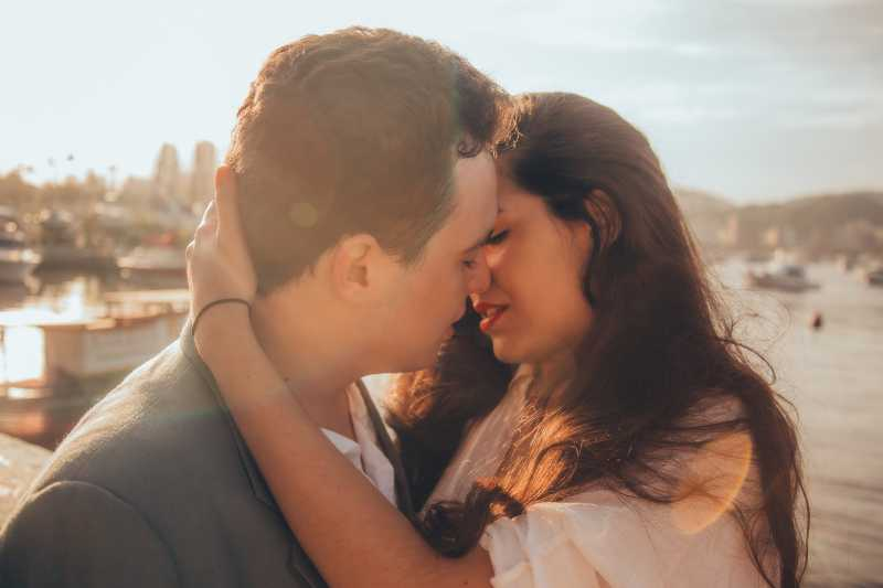 Pasangan Ini Ciuman 58 Jam Tanpa Henti!