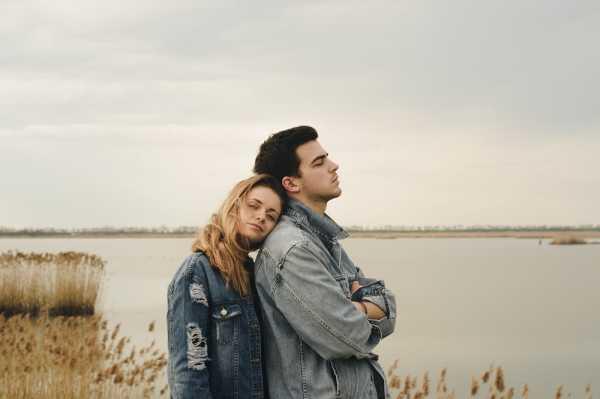 5 Tanda Kamu Berkencan dengan Orang yang Licik
