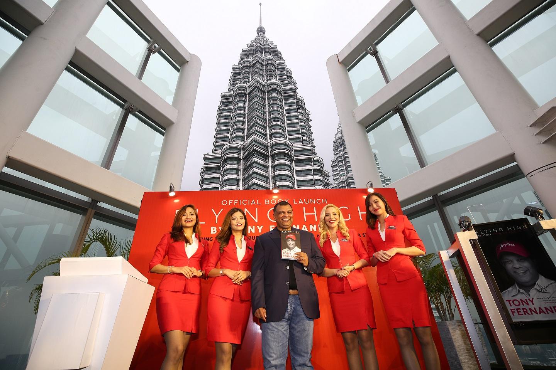 CEO AirAsia Luncurkan Buku Autobiografi