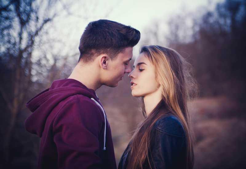 Tak Banyak yang Tahu, Ini Fakta Menakjubkan Berciuman