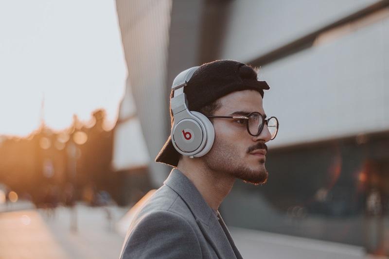 4 Tipe Kepribadian Berdasarkan Kebiasaan Mendengar Musik, Kamu Termasuk yang Mana?