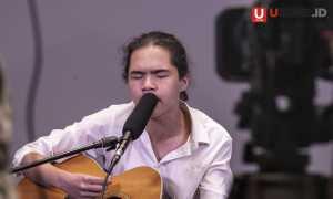 Dul saat tampil di UZONE, musik Grunge banyak mempengaruhi karya solonya / © Ari Setiyawan