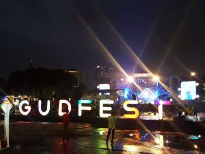 Menikmati Musik di GudFest dengan Santuy Abis