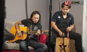 Jikunsprain tampil akustik di UZONE.ID / © Ary Setiyawan
