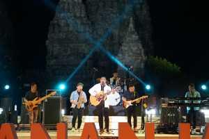 Andmesh tampil di Prambanan Jazz Virtual Festival 2020. (Foto: Instagram @prambananjazz)