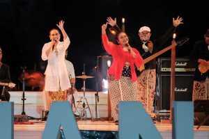 Sinten Remen feat Endah Laras tampil di Prambanan Jazz Virtual Festival 2020. (Foto: Instagram @prambananjazz)